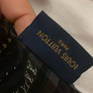 Louis Vuitton Accessories - Louis Vuitton world bandeau
